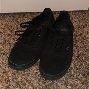 Black low top vans